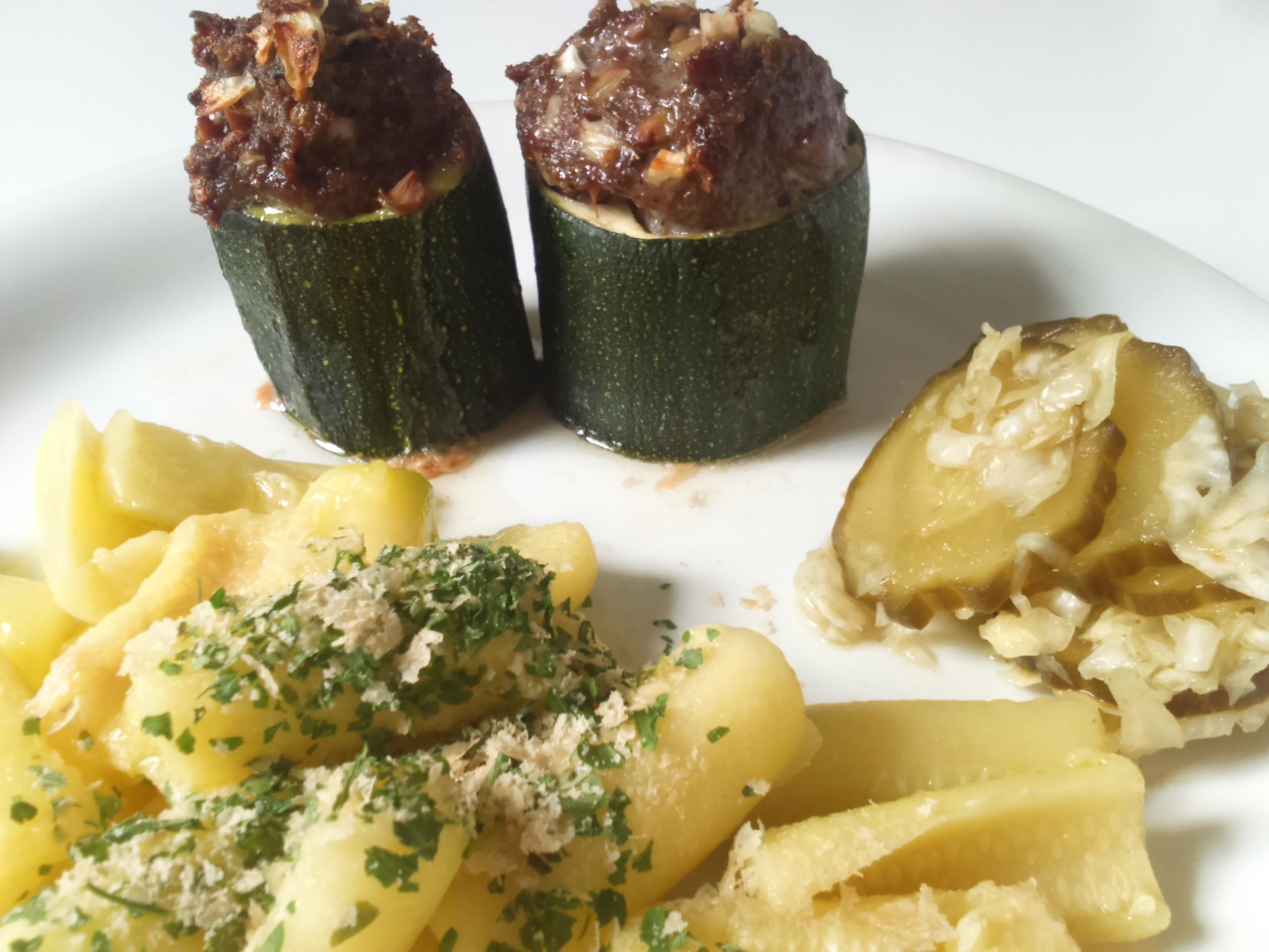 Opgevulde courgette met groente gnocchi